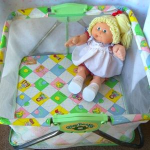 Vintage Cabbage patch doll playpen 1983
